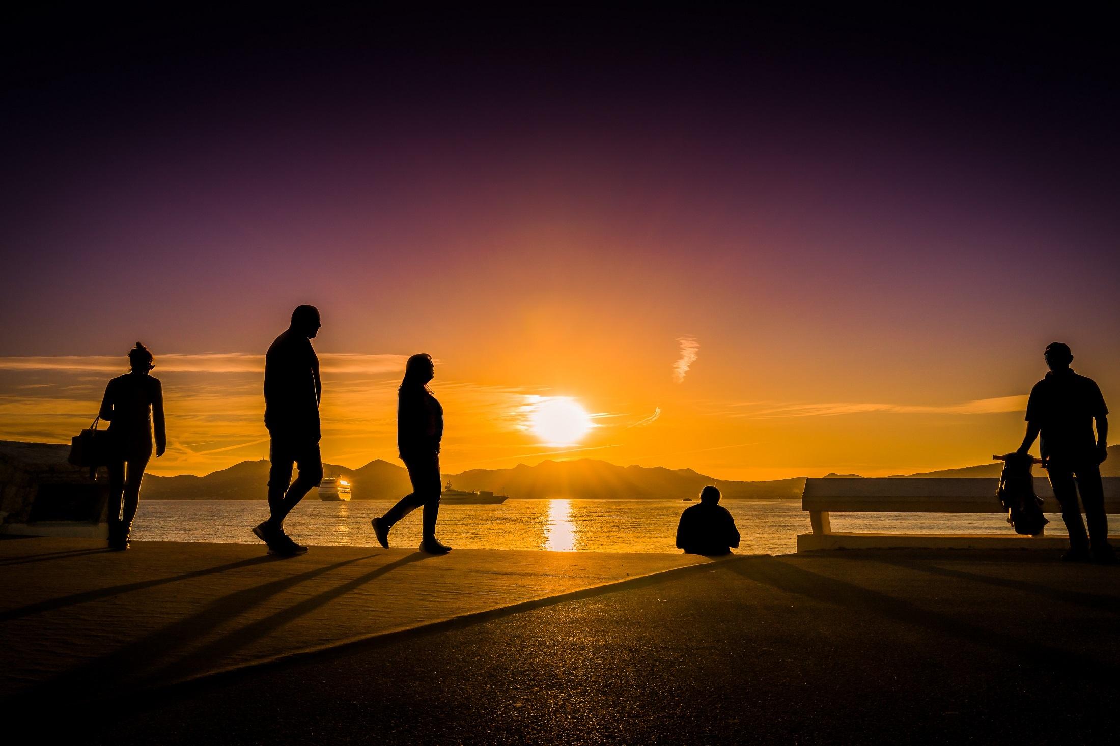 Blog34_sunset-seascape-water-sky-160476.jpeg